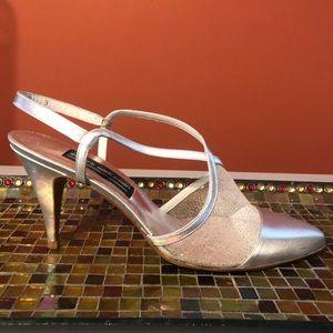 VTG STUART WEITZMAN  sling back bridal high heels